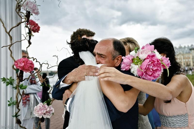 25 трогателни сватбени снимки на бащи